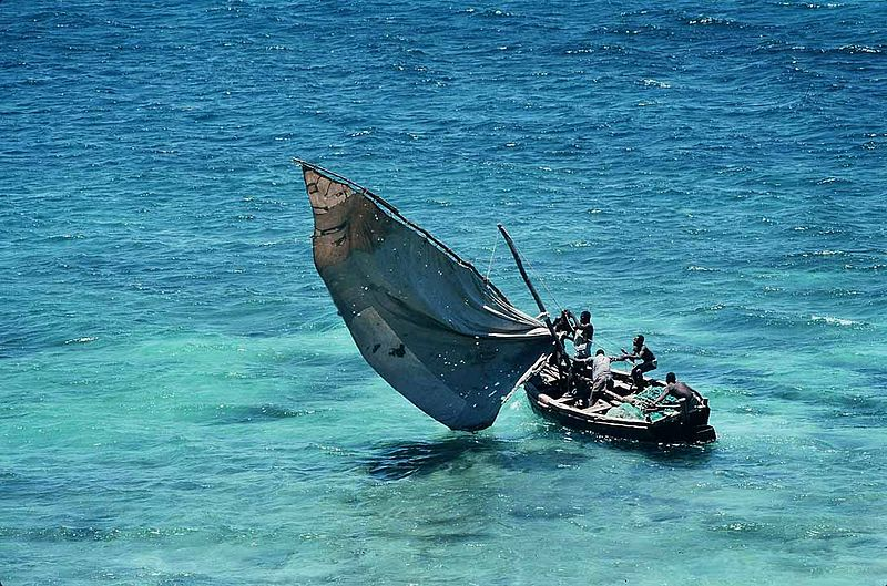 800px-Mozambique_-_traditional_sailboat.jpg